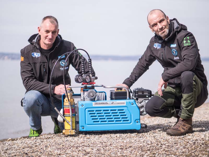 Andi Peter und Thomas Reim with their new OCEANUS expediton kompressor