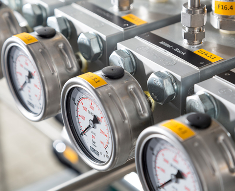 Filling and refuelling control